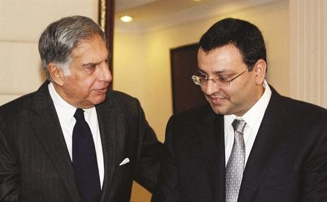 Vì sao Tata thay soái?