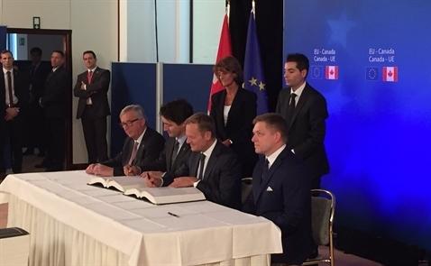 EU ký hiệp định tự do thương mại với Canada