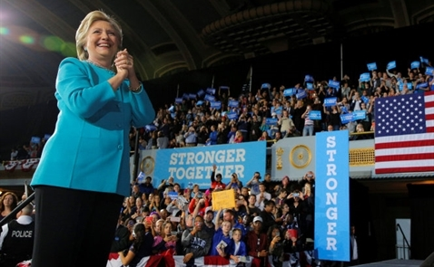 Bà Hillary tạm qua thời sóng gió