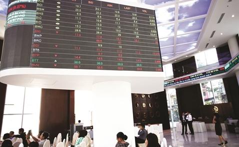 Cuối năm, cổ phiếu ngành nào hot?