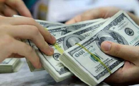 Giá USD ngân hàng bất ngờ vọt lên 22.610 đồng