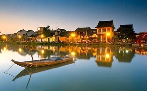 Việt Nam đạt kỷ lục đón 10 triệu khách quốc tế trong năm 2016