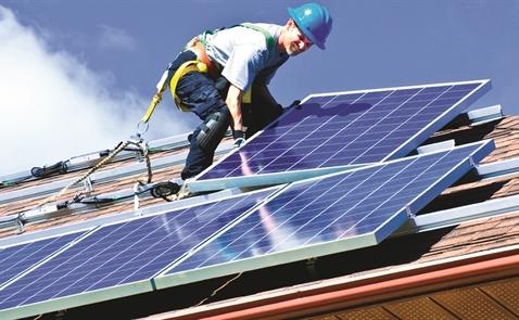 Năng lượng mặt trời thật sự sạch đến đâu?