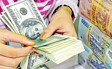 USD ngân hàng áp sát trần