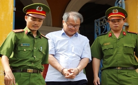 Đề nghị cấm xuất cảnh đối với cha con giám đốc Tân Hiệp Phát