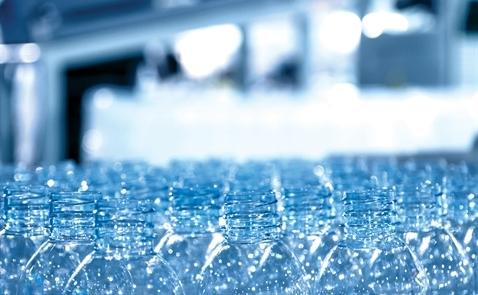 Cuộc chiến trong ngành nhựa
