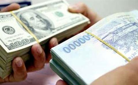 Hai ngày, giá USD tăng hơn 100 đồng