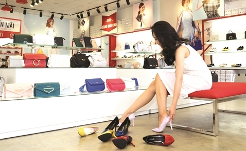 Kinh doanh giày và phụ kiện nữ: Thị trường tỷ đô