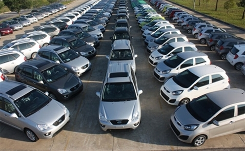 Doanh số bán ô tô tháng Hai tăng vọt 50%