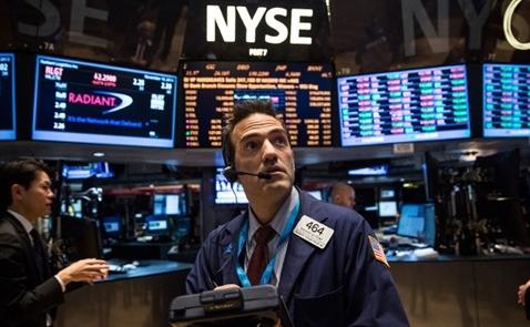 Chứng khoán Mỹ hồi hộp chờ đợi quyết định của Fed