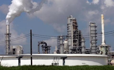 Tồn kho dầu của Mỹ bất ngờ giảm khiến giá dầu phục hồi