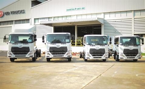 Xe tải Nhật đổ bộ, doanh nghiệp nội đã sẵn sàng?