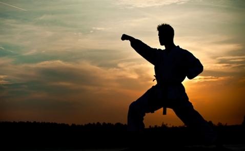 Nếu muốn trở thành người mạnh mẽ, hãy ngưng nói 4 câu này