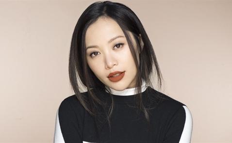 Nữ triệu phú Michelle Phan: Đứng dậy từ trầm cảm để làm lại từ đầu