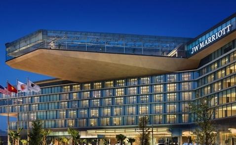 Giá phòng khách sạn 5 sao ở Hà Nội tăng gấp rưỡi