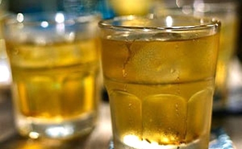 Uống trà đá làm tăng nguy cơ bị dịch tả?