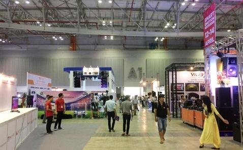 Triển lãm Smart Emotion 2017 chính thức khai mạc tại Trung tâm Triển lãm và Hội nghị Sài Gòn SECC