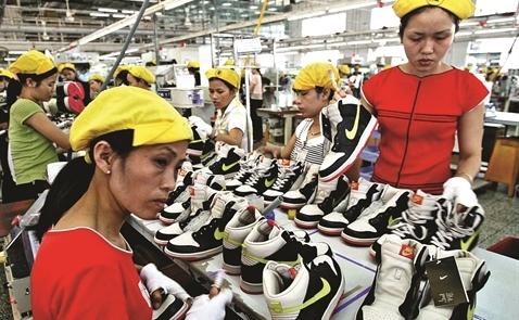 """Nằm trong """"danh sách gian lận Thương mại"""" của Mỹ: Việt Nam có đáng lo?"""