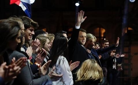 Ông Macron giành chiến thắng, thị trường phản ứng tích cực