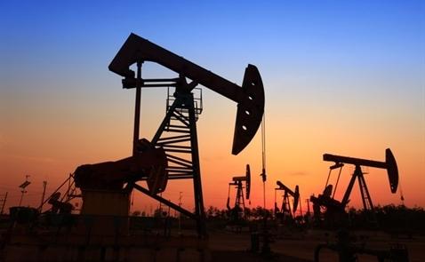 IEA: Cắt giảm sản lượng không đủ để giảm tồn kho dầu