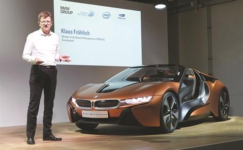 BMW ráo riết tăng tốc xe điện