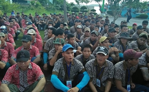 Indonesia trao trả 695 ngư dân Việt