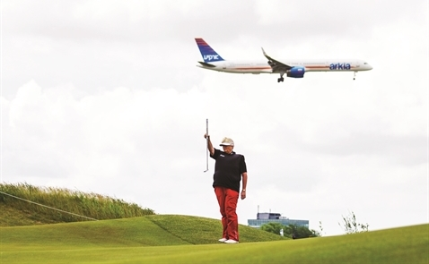 Tranh cãi sân bay: Lỗi tại sân golf?