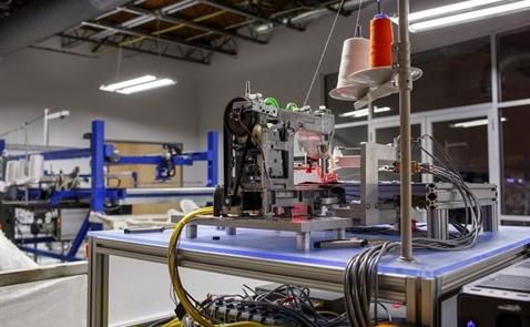 Robot đe dọa xóa sổ hàng triệu việc làm ngành dệt may tại châu Á