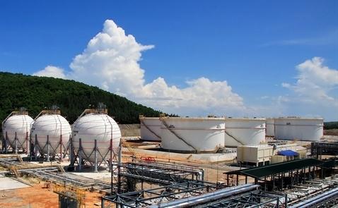 Việt Nam sẽ tiếp tục nhập khẩu xăng dầu