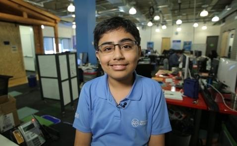 Ở tuổi 13, cậu bé này đang theo đuổi mục tiêu dạy lập trình cho 100.000 người