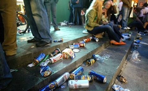 Người Châu Âu đang chết dần chết mòn vì uống rượu?