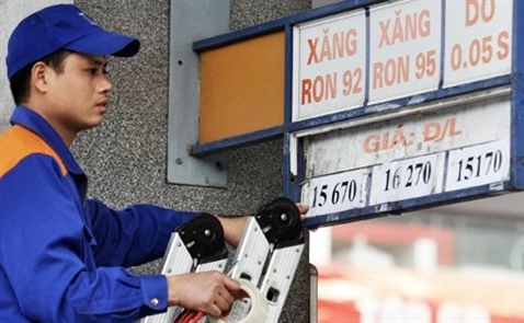 Giá xăng tiếp tục giảm, xuống thấp nhất 10 tháng