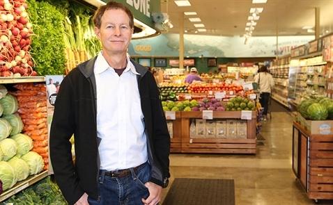 Từ kẻ bỏ học đến chuỗi siêu thị trị giá 13,7 tỷ USD