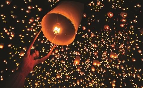 Kinh tế lễ hội: Hóa giải mâu thuẫn tiền bạc và văn hóa