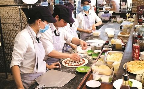 Công ty Nhật tính chi 50 triệu yen mua 2,2% cổ phần Pizza 4P's