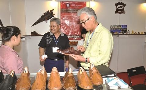 Da giày xuất khẩu: Tìm trợ lực từ người Ý