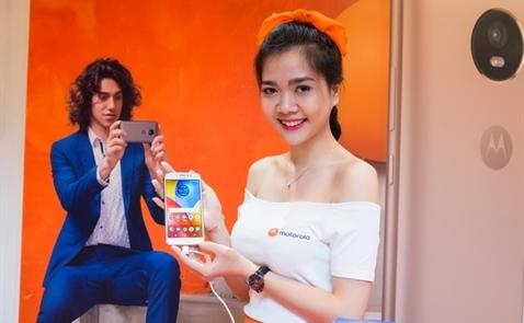 Motorola ra mắt bộ tứ điện thoại mới tại Việt Nam