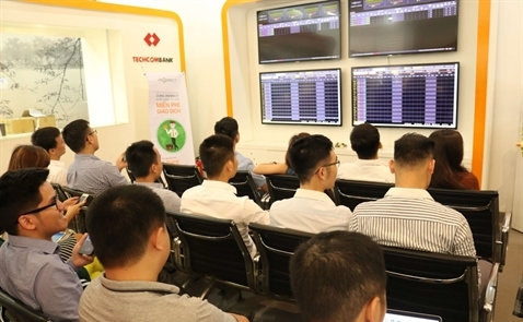 Gần 250 giao dịch mua bán thành công trong phiên giao dịch buổi sáng đầu tiên của chứng khoán phái sinh