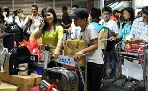 Người Việt tăng chi, giảm tiết kiệm