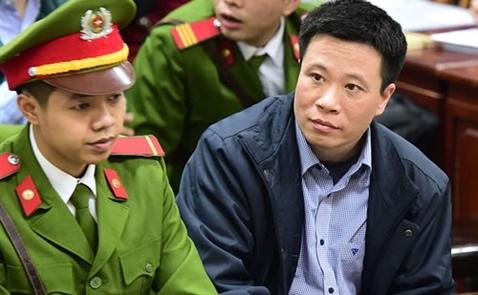 Mở lại phiên xử cựu chủ tịch OceanBank Hà Văn Thắm