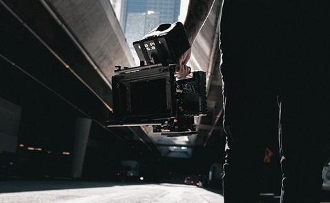 Vì sao ngành truyền thông đua nhau sản xuất video?