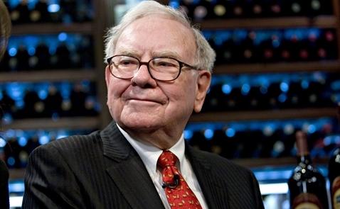 Vì sao Warren Buffett không bao giờ chỉ trích Trump?