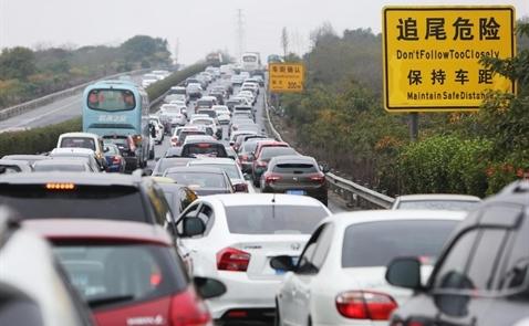 Trung Quốc sẽ cấm bán xe chạy bằng xăng và dầu diesel?