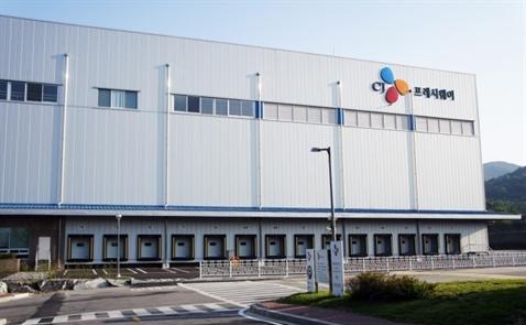 Công ty con của CJ Group muốn mua lại một hãng bán lẻ thực phẩm Việt Nam