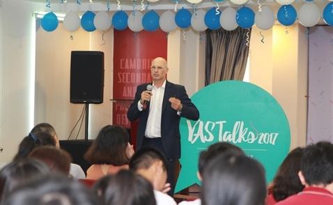 Gần 20 nghệ sĩ, doanh nhân tình nguyện Truyền cảm hứng cho học sinh tại VAS Talks 2017