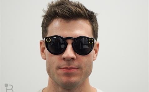 Evan Spiegel vẫn tin vào Spectacles bất chấp doanh số èo uột