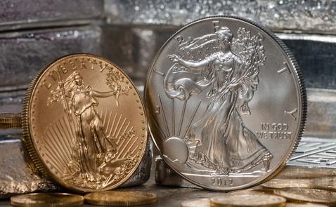 Giá vàng lại tăng mạnh vì Trump và Triều Tiên