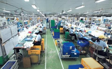Sản xuất lên ngôi, hàng tiêu dùng nhận lương cao