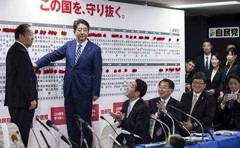 Đảng LDP thắng lợi vang dội, ông Abe sẽ là Thủ tướng Nhật tới năm 2021?