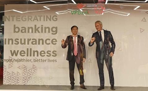 AIA -  VPBank ký hợp tác phân phối bảo hiểm độc quyền 15 năm